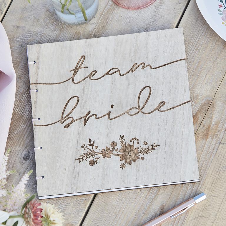Drevená Kniha pre Hostí - Kvietky - Team Bride