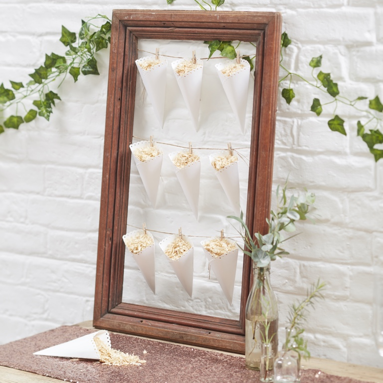 Scalloped Confetti Cones - Beautifull Botanics (10pcs)